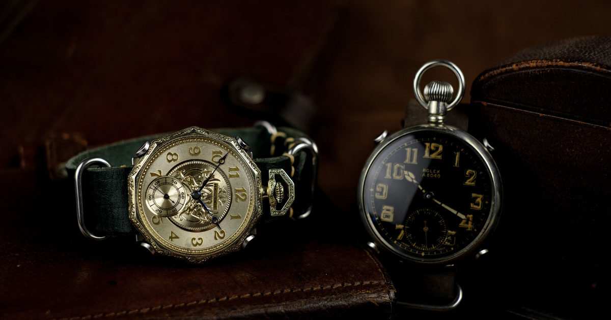 アンティーク懐中時計を腕に